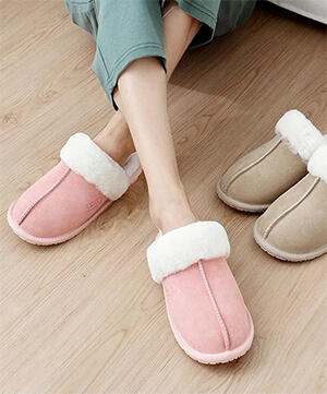 Slippers & Moccasins